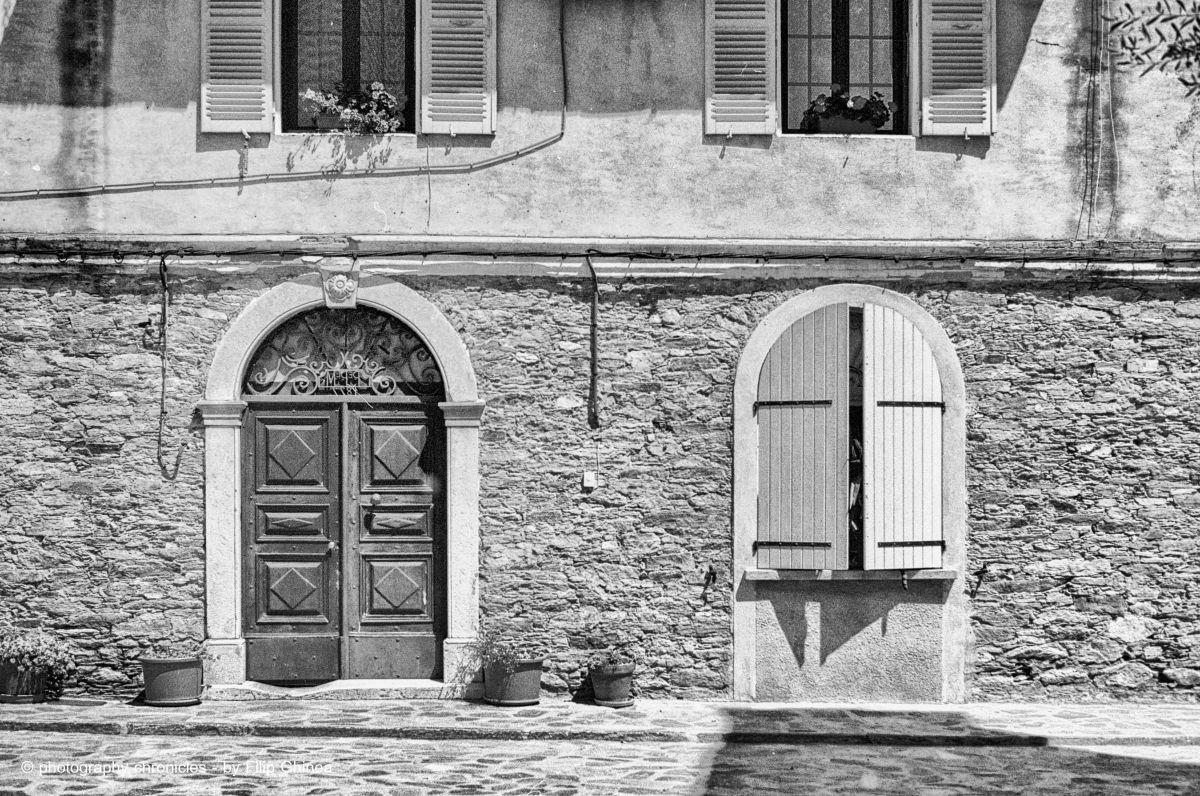 Corsican facade 1