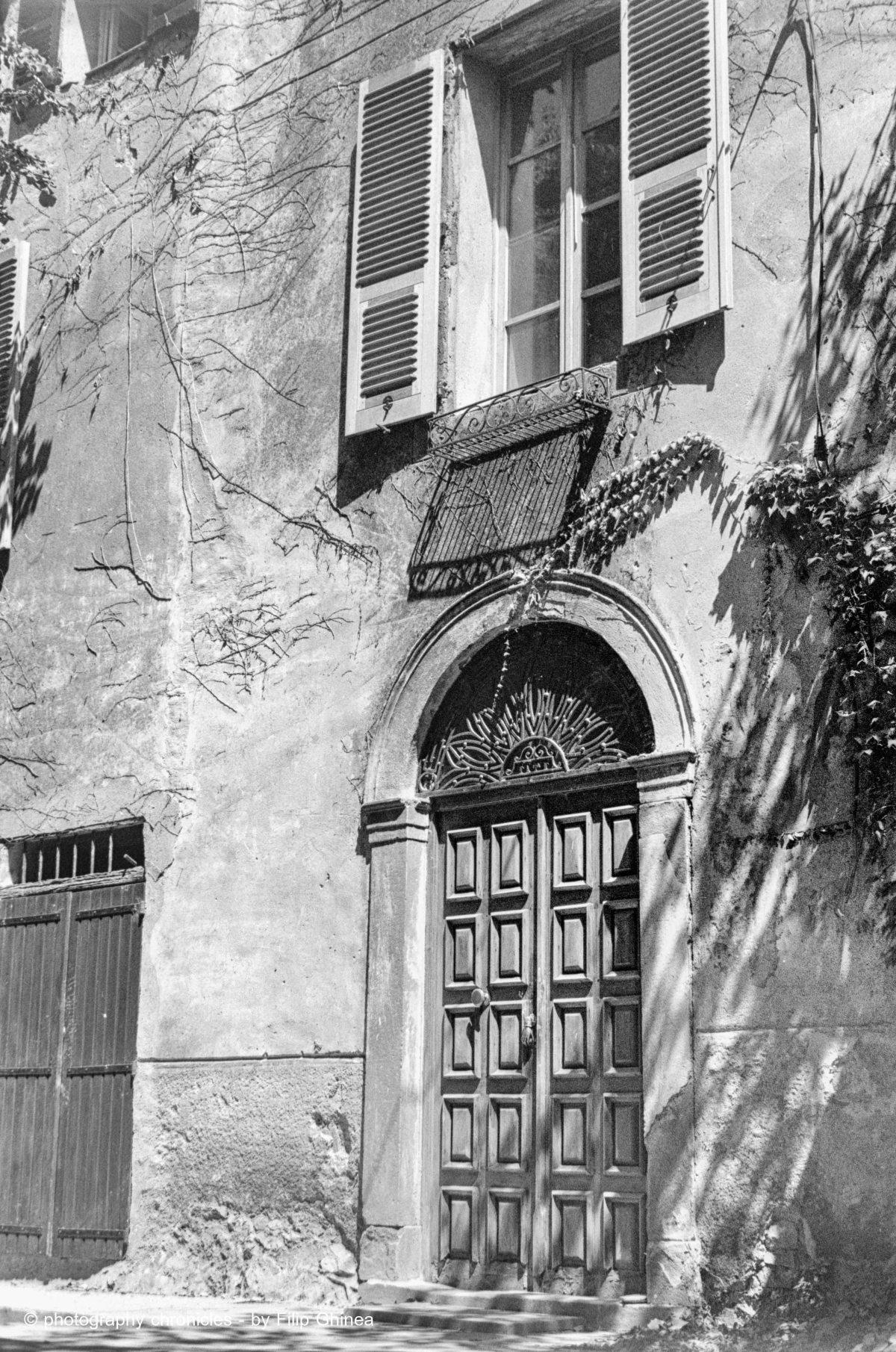 Corsican facade 2